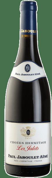 Når du ser Les Jalets Rouge Crozes Hermitage fra Domaine Paul Jaboulet Aîné, ser du en smuk, skinnende, rubinrød farve med violette højdepunkter. Den aromatiske buket minder om røde, sure skovbær med en sidste krydret note. Ganen med den fulde optakt fremstår velafbalanceret og blid med dybde, smuk fylde og fine lakridsnoter i finishen. Fødevareanbefaling til Les Jalets Rouge af Domaine Paul Jaboulet Aîné Denne rødvinscuvée er en vidunderlig fornøjelse med saftig grillet entrecote med grøn peber, lamragout med braiseret sjalotteløg eller røget svinekød i en dej.