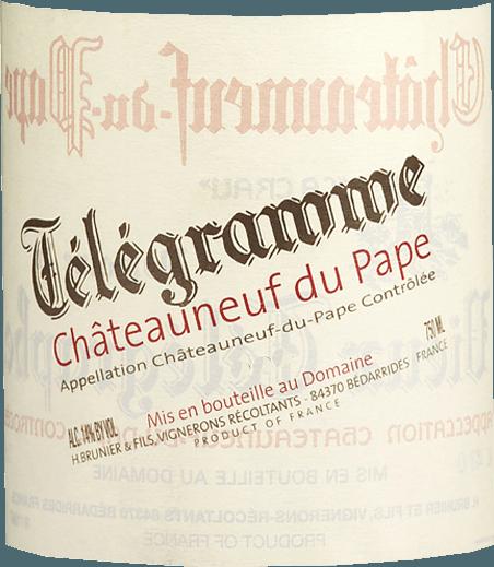 Den anden afgrøde af Vieux Télégraphe afslører sig i en stærk rubinrød. Télégramme Châteauneuf-du-Pape AOC af Vignobles Brunier er allerede meget åben med frugtagtige noter af kirsebær og ribs og en elegant mineralitet. Den bløde og saftige smag afslører aromaer af blommer og kirsebær. Samlet set en mediumstærk struktureret rød med silkeagtige tanniner, der passer perfekt til stegt oksekød, vildand eller gås. Vinificering af Télégramme Châteauneuf-du-Pape AOC - Vignobles Brunier For Télégramme rødvin plukkes alle druer manuelt, udvælges to gange, forsigtigt fjernet og gæret i rustfrit stål i ca. 2 uger ved kontrollerede lave temperaturer. Vinen presses derefter i pneumatiske presser, gennemgår malolaktisk gæring og modnes i ni måneder i betontanke, før den modnes yderligere i store træfade i otte til tolv måneder. Efter i alt 20 måneders modning aftappes Télégramme Châteauneuf-du-Pape ufiltreret og lanceres på markedet omkring fire måneder senere. Præmier fra Télégramme Châteauneuf-du-Pape AOC - Vignobles Brunier Wine Spectator - 90 point (bind 11) Vinadvokat - 90 point (år 07)