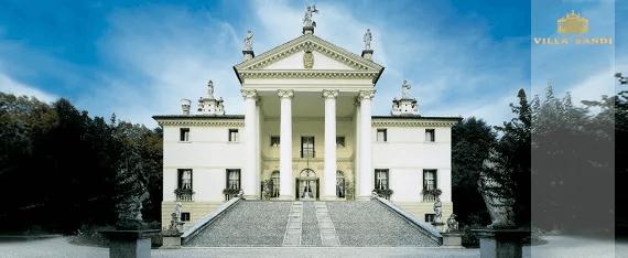 """il Fresco Prosecco Spumante DOC Brut fra Villa Sandi er flere gange blevet kåret til Årets Prosecco (Weinwirtschaft - Meininger Verlag) . Det er og forbliver en virkelig enestående, crunchy, frugtagtig anbefaling! """"Great grape cinema"""" skriver magasinet GQ. Prosecco il fresco er det rigtige Prosecco til den næste familiefest, retten aperitif til en tilsvarende vinsmagning eller bare et dejligt måltid. En af VINELLOs bestsellere af Prosecco. Smagsnota fra Villa Sandi il Fresco Prosecco Spumante DOC Brut Den har en strågul farve med en ekstremt subtil, fin og silkeagtig perlage og en langvarig, frisk mousseux. Il Fresco betyder """"friskheden""""! På næsen og på ganen vises aromaer af friske Granny Smith-æbler og Williams-pærer samt cantaloupemelon. I munden ser det frisk og tangy ud og ved, hvordan man overbeviser med sit perfekte samspil mellem sødme og surhed. Simpelthen en storslået, perfekt produceret mousserende vin Prosecco, der skærer en fin figur både som aperitif og som ledsagelse til lette retter. Præmier fra Villa Sandi Prosecco il fresco Ti gange i træk modtog Il Fresco af Villa Sandi prisen Prosecco of the Year fra specialmagasinet """"Weinwirtschaft"""" . Mundus Vini 2014: Guld til Villa Sandi Prosecco il fresco Weinwirtschaft: Prosecco of the year 2015, 2014, 2013, 2012, 2011, 2010, 2009, 2007, 2006 & amp; 2004 og bedste mousserende vin i Italien 2008 """"Virker næsten uovervindelig som Prosecco Spumante i den tyske specialiserede handel. Stabil kvalitet plus udstyr på højeste niveau."""""""