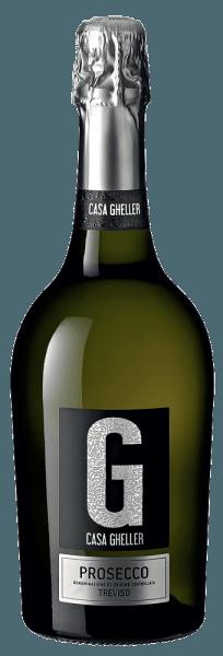 Prosecco Spumante Treviso fra pennen af Casa Gheller fra Veneto tilbyder en strålende, platinegul farve i det drejelige glas. Denne italienske vin med en enkelt oprindelse præsenterer vidunderligt udtryksfulde noter af appelsin, pære, grapefrugt og kumquats i glasset. Der er også antydninger af ristet hasselnød, hel nøddechokolade og skør. På ganen er strukturen af denne letbenede Prosecco Spumante perfekt afbalanceret. Takket være den karakteristiske frugtsyre er den usædvanlig frisk og livlig i ganen. Vinificering af Casa Gheller Prosecco Spumante Treviso Denne elegante Prosecco Spumante fra Italien er lavet af druesort Glera. Druerne vokser under optimale forhold i Veneto. Vinstokke her graver deres rødder dybt ned i jordbund lavet af sedimentær og forvitret sten. Druerne til denne Prosecco Spumante fra Italien høstes udelukkende manuelt, når de er helt modne. Efter druehøsten når druerne hurtigt pressehuset. Her vil du blive sorteret og opdelt omhyggeligt. Fermentering finder derefter sted i tanke i rustfrit stål ved kontrollerede temperaturer. Efter afslutningen af gæringen kan Prosecco Spumante Treviso fortsætte med at harmonisere på den fine gær i et par måneder .. Fødevareanbefaling til Casa Gheller Prosecco Spumante Treviso Denne italienske Prosecco Spumante bør bedst nydes meget kølet ved 5 - 7 ° C. Det passer perfekt til omelet med laks og fennikel, grøntsagssalat med rødbeder eller kokosnød-lime fiskekarry. Præmier til Prosecco Spumante Treviso fra Casa Gheller Ud over et meget godt forhold mellem pris og fordele har denne Casa Gheller-vin også modtaget priser, herunder medaljer. I detaljer er disse Mundus Vini - sølv